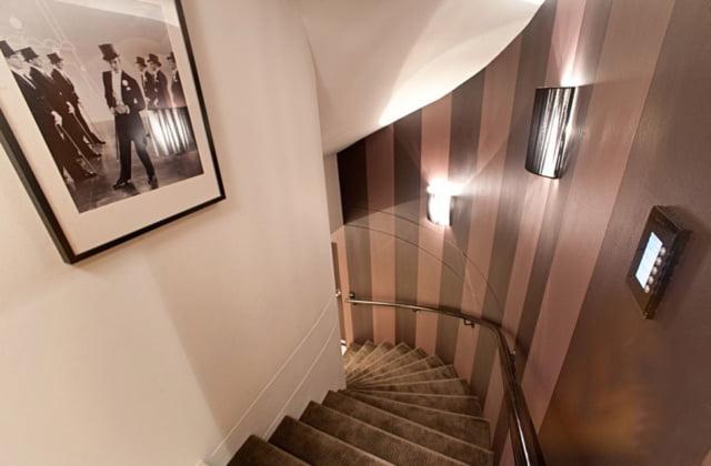 Stairs-1024x64Bhem0